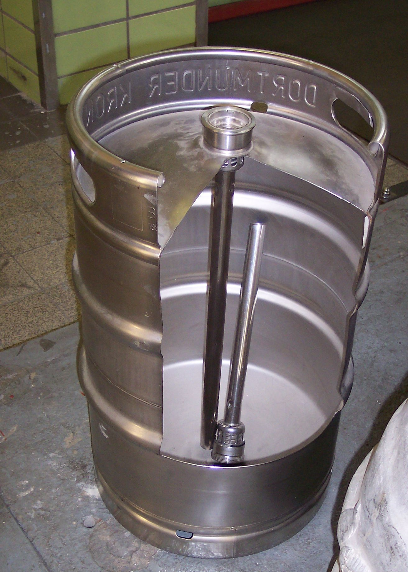 How to open a beer keg - Security sistems